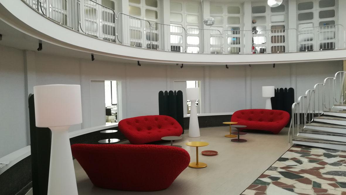 Espace professionnel : le lieu d'entrée et d'accueil donne le ton…